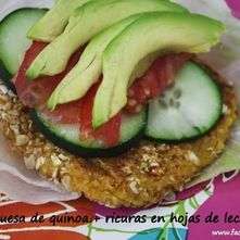 Hamburguesa de quinoa en hojas de lechuga